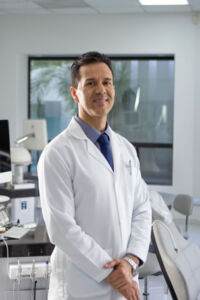 Dr. Lamberto Morales